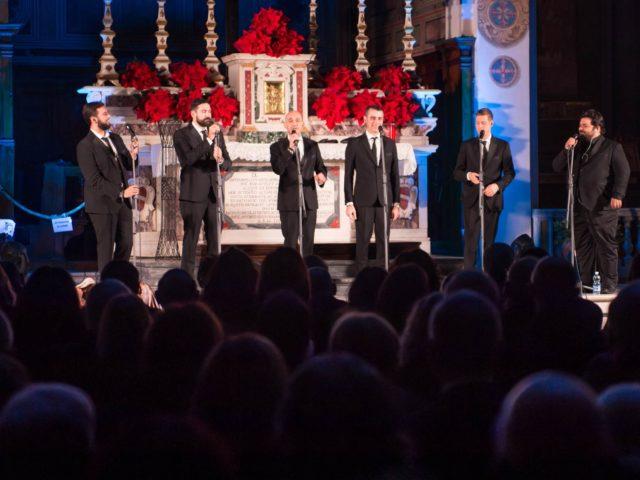 I Neri per Caso cantano il Natale della Fondazione Crsm