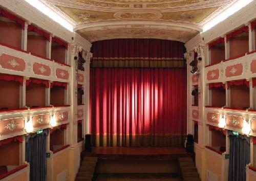 Nuova vita al palcoscenico del Teatro Verdi di Santa Croce